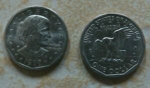 PAIR OF US 1979 ONE 1 DOLLAR COINS SUSAN B ANTHONY APOLLO 11