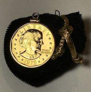 UNCIRCULATED SUSAN B ANTHONY GOLD PLATED DOLLAR PENDANT