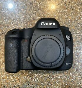 CANON EOS 5D MARK III DIGITAL SLR CAMERA BODY 24 105MM LENS ACCESSORIES