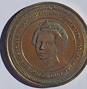 ISLE OF MAN 1984 UC CROWN COIN 30TH COMMONWEALTH PARLIAMENTARY CONFERENCE