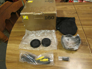 NIKON D50 6.1 MP DIGITAL SLR CAMERA BOX AND ACCESORIES NO CAMERA