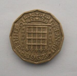 BRITISH 1962 THREE PENCE COIN. QEII.
