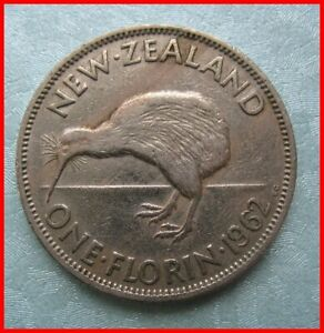 NEW ZEALAND 1962 2 SHILLING 2/  COIN REF 50