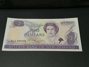 NEW ZEALAND. $2. 2. TWO DOLLAR BANK NOTE. 1985   89. UNC.  P170B. RUSSELL