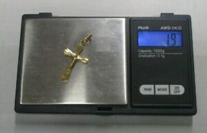 VINTAGE 9K YELLOW GOLD ENGRAVED CRUCIFIX PENDANT CHARM .375 1.9 GRAMS BELOW MELT