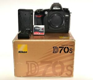 NIKON D70S 6.1MP DIGITAL SLR CAMERA   BODY ONLY   EXCELLENT   IN ORIGINAL BOX