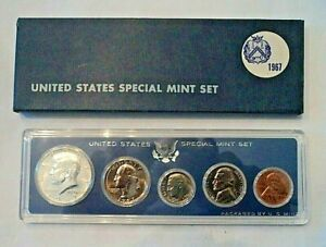 1967 US UNCIRCULATED SPECIAL MINT SET WITH 40   SILVER KENNEDY HALF