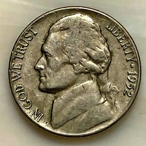 1952  JEFFERSON NICKEL. YOUR ACTUAL COIN IN PHOTO