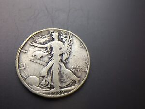 1937 S WALKING  LIBERTY   HALF DOLLAR  SCRATCHED SMUDGE    90  SILVER    LOT 163