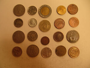 MIXED LOT OF FOREIGN COINS  31 .
