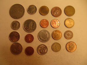 MIXED LOT OF FOREIGN COINS  30 .