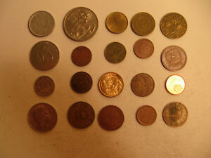 MIXED LOT OF FOREIGN COINS  21 .