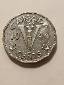 CANADA 1944 5 CENTS CANADIAN NICKEL COIN