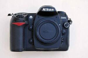 NIKON D200 10.2 MP DIGITAL SLR CAMERA BODY.  EXCELLENT