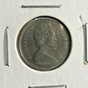 CIRCULATED 1968 10 CENT CANADIAN COIN  30519 2 ..FREE DOMESTIC SHIPPING