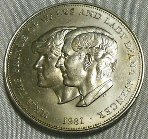 UK / GREAT BRITAIN CROWN SIZE COIN. LADY DIANA.