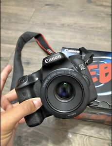 MINT CANON EOS 70D DSLR CAMERA WITH EF S 50MM 1.8 LENS / CHARGER AND BATTERY