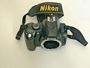 NIKON D40 DIGITAL CAMERA DSLR BODY ONLY FOR PARTS OR REPAIR