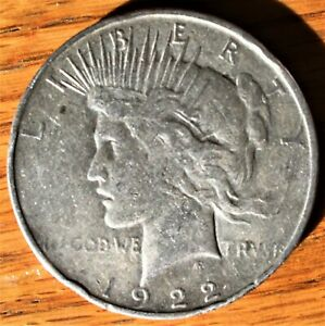 VINTAGE 1922 D UNITED STATES 90  SILVER PEACE DOLLAR ESTATE COIN  BRIGHT