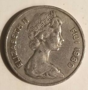 1980 FIJI 20 CENTS COIN W/QUEEN ELIZABETH II & WHALE TOOTH GOOD CONDITION
