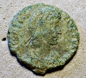 ROMAN ANCIENT COIN . UNIDENTIFIED