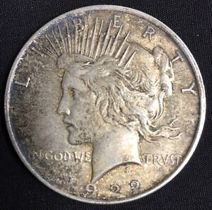 1922 PEACE SILVER DOLLAR IN VF CONDITION NICE LOOKING AGED & TONED SILVER DOLLAR