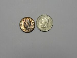 LOT OF 2 DIFFERENT OLD EL SALVADOR COINS   1972 AND 1975   CIRCULATED