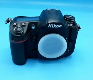 NIKON D300 DIGITAL SLR CAMERA BODY 12.3 MP 16K SHUTTER CLICKS 32GB LEXAR CF
