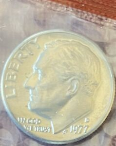 1977 D ROOSEVELT DIME   UNCIRCULATED COIN IN MINT CELLO
