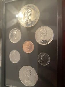 1977 ROYAL CANADIAN MINT DOUBLE DOLLAR PROOF SET RS