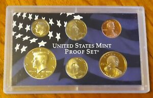 2005 S UNITED STATES MINT ANNUAL 6 COIN PROOF SET WITH SACAGAWEA DOLLAR COIN