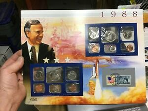 1988 US MINT SET 10 COIN SET  P & D WITH HISTORY PRESENTATION CARD US STAMP