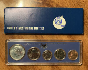 Click now to see the BUY IT NOW Price! 1967 US SPECIAL MINT SET  WITH 40  SILVER KENNEDY HALF DOLLAR