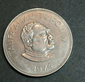 RJKSTAMPS WORLD COIN   1974 TONGA ONE PA'ANGA  SHILLING SIZE COIN. COPPER NICKEL