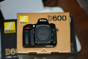 NIKON USA MODEL D600 DIGITAL SLR CAMERA KIT VR 24 85MM LENS   MB 14 BATTERY GRIP
