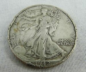 1942 D UNITED STATES WALKING LIBERTY HALF DOLLAR 90  SILVER 50 CENT COIN