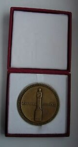 MEDAL CURIE SKLODOWSKA NOBEL PRIZE ANTI CANCER POLON POLISH POLAND MEDAL BOXED