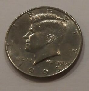 COLLECTABLE 1993 KENNEDY HALF DOLLAR DENVER MINT CIRCULATED  VINTAGE COIN