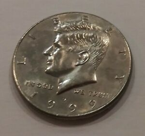 COLLECTABLE 1999 KENNEDY HALF DOLLAR  CIRCULATED DENVER MINT  VINTAGE COIN