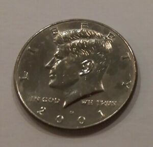 COLLECTABLE 2001 KENNEDY HALF DOLLAR DENVER MINT CIRCULATED  VINTAGE COIN