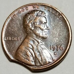1976 D   LARGE CURVED CLIP   LINCOLN MEMORIAL CENT MINT ERROR LOT 5048