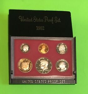 1982S  US PROOF SET HALF DOLLAR QUARTER DIME NICKEL PENNY & US TREASURY TOKEN