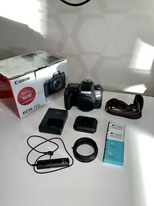 CANON EOS 77D 24.2 MP DIGITAL SLR CAMERA   4 BATTERIES / 2 CHARGERS