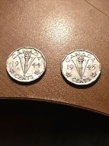 1944 AND 1945 CANADIAN 5 CENT COINS VICTORY LOT OF 2 COINS