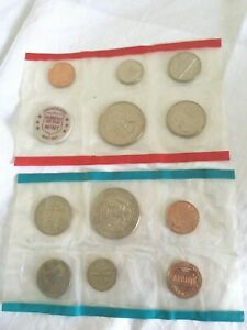 1972 UNCIRCULATED MINT SET IN CELLOPHANE WRAPPER