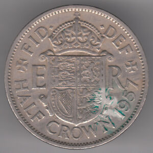 UNITED KINGDOM 2S6D HALF CROWN 1957 COPPER NICKEL COIN   COAT OF ARMS ON SHIELD
