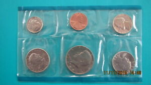 1981 P  UNITED STATES PROOF SET OF 6 COINS  MINT   ONLY 2 SETS AVAILABLE