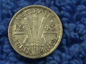 AUSTRALIA  3 PENCE  1942 S   COMBINED SHIPPING  .10 CENTS USA  .19 INTERNATIONAL