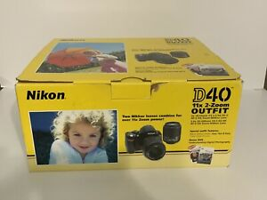NIKON D40 DIGITAL SLR CAMERA KIT  18 55MM 55 200MM