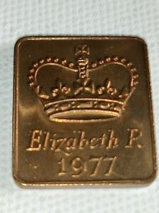 1977 ROYAL MINT PROOF YEAR MEDALLION MEDAL TOKEN   ELIZABETH II